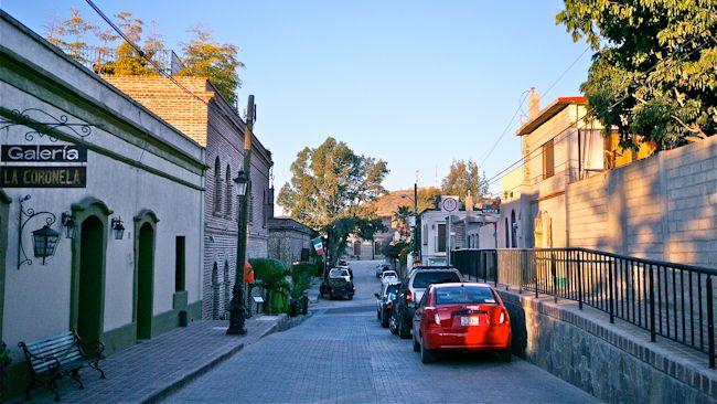 Todos-Santos-street